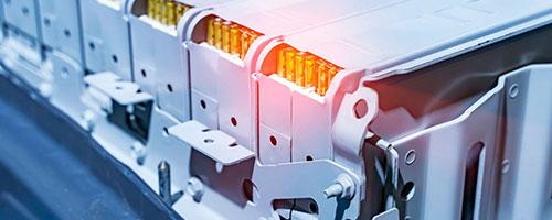 На LabTest, имаме експертиза за тестирање и сертифицирање на повеќето типови батерии достапни во индустријата, како што се литиум-јонски, алкални, никел и повеќе, од мала ќелија до цела батерија што може да се користат во мали комунални автомобили , уреди за е-мобилност или банки за напојување, за обични и опасни локации.