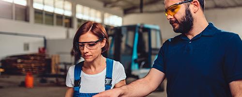 Прилагодените сесии за обука LabTest се дизајнирани да ги задоволат специфичните потреби на вашата организација, со персонализирани и специфични цели, врз основа на целите за учење на вашиот тим. Можеме да обезбедиме обука за усогласеност на производот, барања за стандарди, системи за управување со квалитет и многу повеќе.