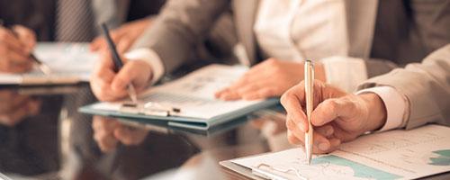 """Ние нудиме обука, проценка и сертификација во согласност со серијата стандарди ISO 9000. Подобрување на ефикасноста и процесите со намалување на трошоците. Прикажете го печатот """"LC ISO 9000 Certified"""" на вашата веб -страница и направете го вашиот бизнис да се издвои од конкуренцијата!"""