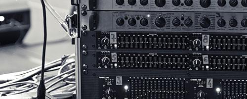Специјални инспекции за одобрување на ограничени количини/серии на електрични/електронски производи произведени на неповторлива основа и треба да се усогласат со барањата на канадскиот електричен код.